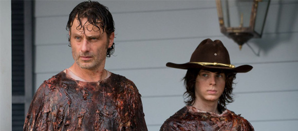 Carl-Rick-The-Walking-Dead-sobe-desce