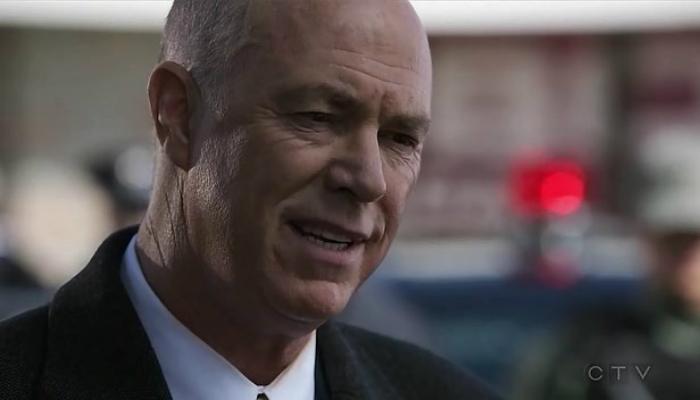 Governador Royce em Designated Survivor 1x04