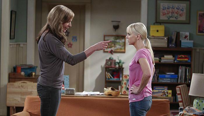 mom-tv-show-2x01
