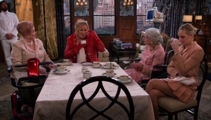 2-broke-girls-5x07-luncheon-caroline-grandmother-sophie