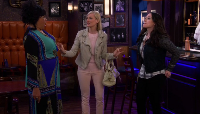 2-broke-girls-5x09-And-The-Sax-Problem-The-Early-Birds-Ruby-Max-s05e09