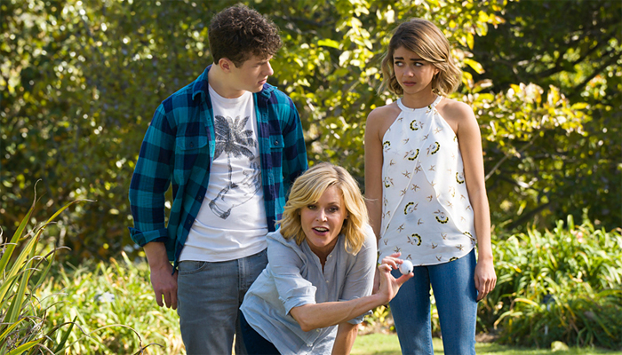 Modern-Family-7x11-Claire-Haley-Luke
