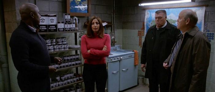 Brooklyn-Nine-Nine-3x14-Holt-Gina-Scully-Hitchcock