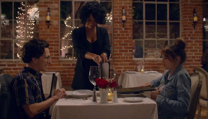 Love-1x05-The-Date