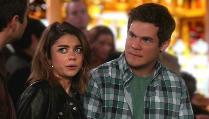 Modern-Family-7x17-Haley-Andy