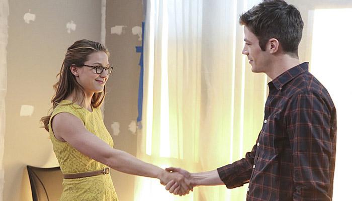 Cena do crossover de Supergirl e The Flash
