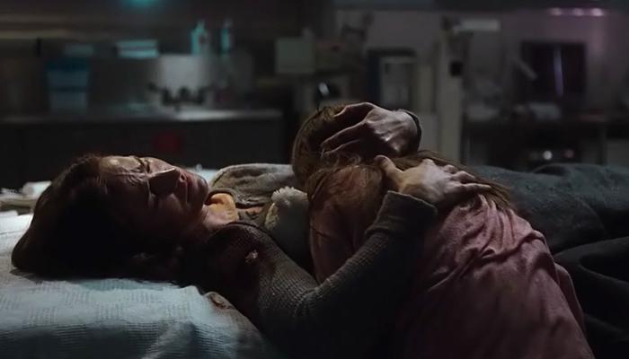 Van Helsing 1x06 Vanessa tenta consolar Kelly