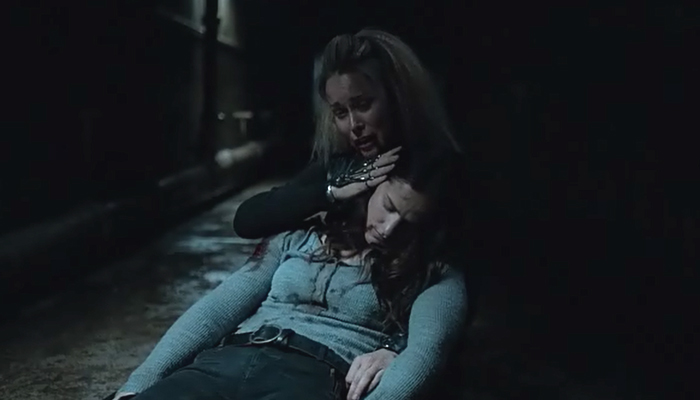 Van Helsing 1x06 Susan cuida de Vanessa