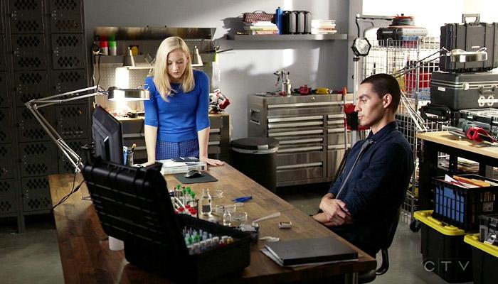 Conviction 1x06 Tess revela seu passado para Frankie