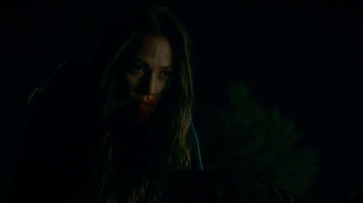 the-vampire-diaries-804-seline