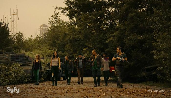Van Helsing 1x08 Os sobreviventes invadindo a base militar